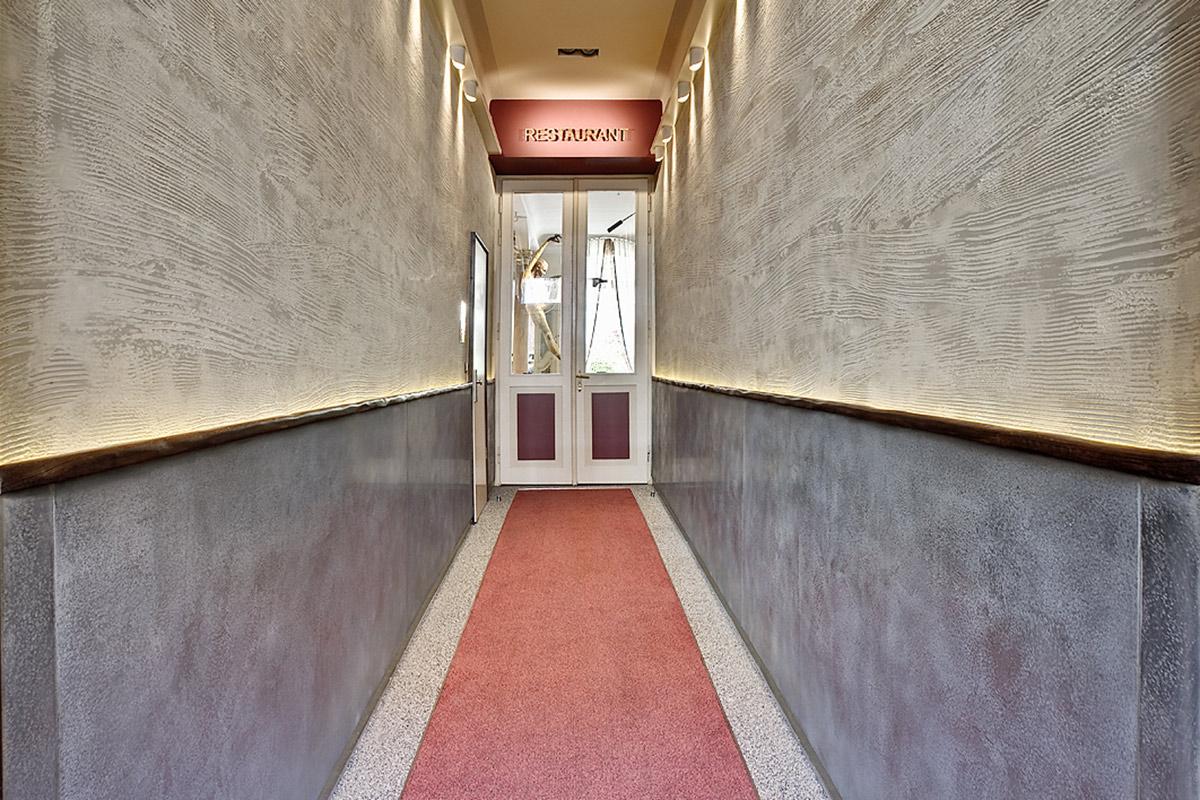 Restaurant Wullenwever Lübeck – Eingangsbereich: Idee und Umsetzung, Farbberatung, Gestaltung der besonderen Oberflächen, Lichtkonzept